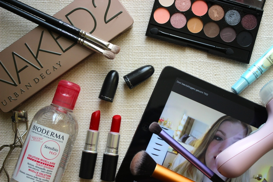 Door beautybloggers gekocht tag, hype