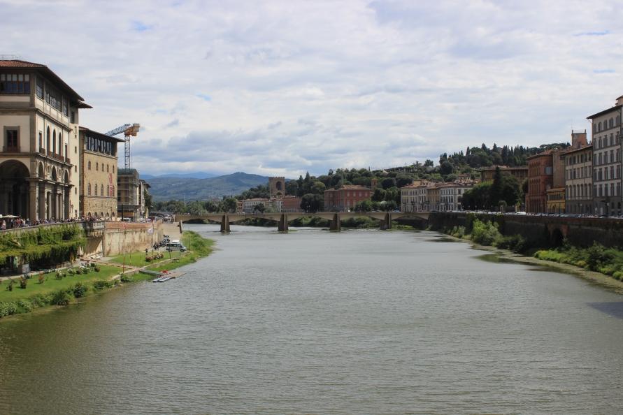 Uitzicht vanaf Ponte Vecchio