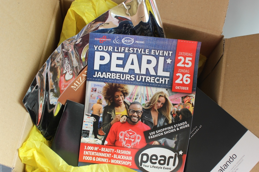 Unboxing Pearl Event Box