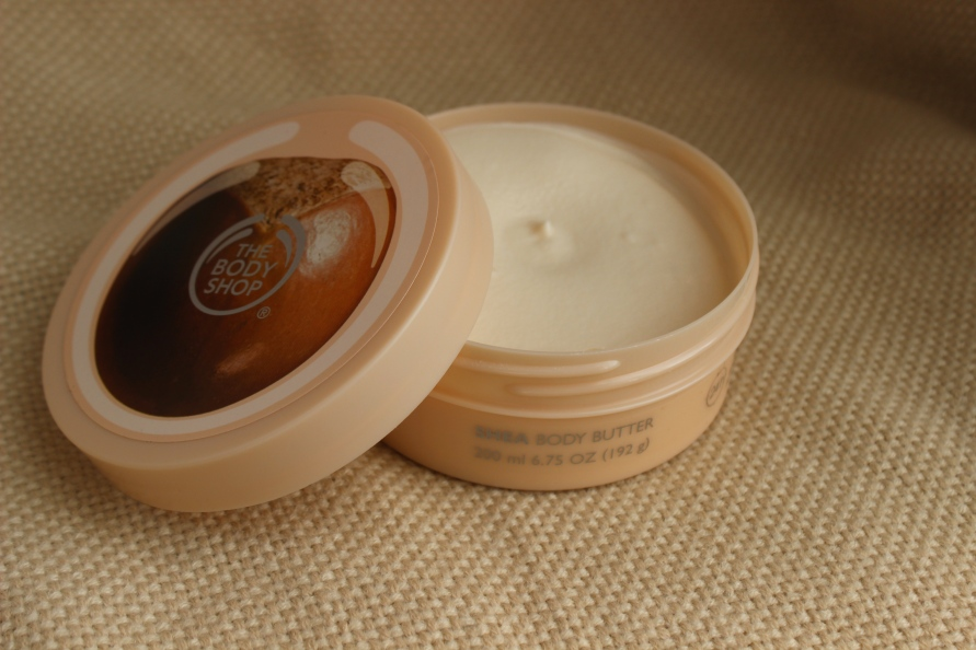 Helpt dit mijn huid de winter door? The Body Shop Shea Body Butter Beautybitsblog.com