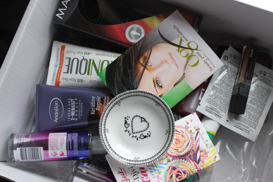 Unboxing Good Buy  Box | Miss Lipgloss webshop Beautybitsblog.com
