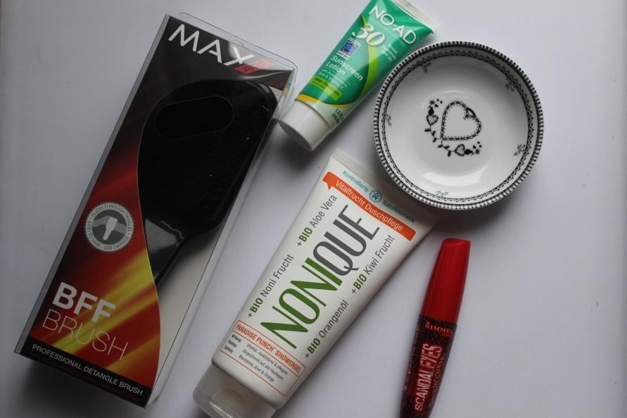 Unboxing Good Buy  Box | Miss Lipgloss webshop Beautybitsblog.com