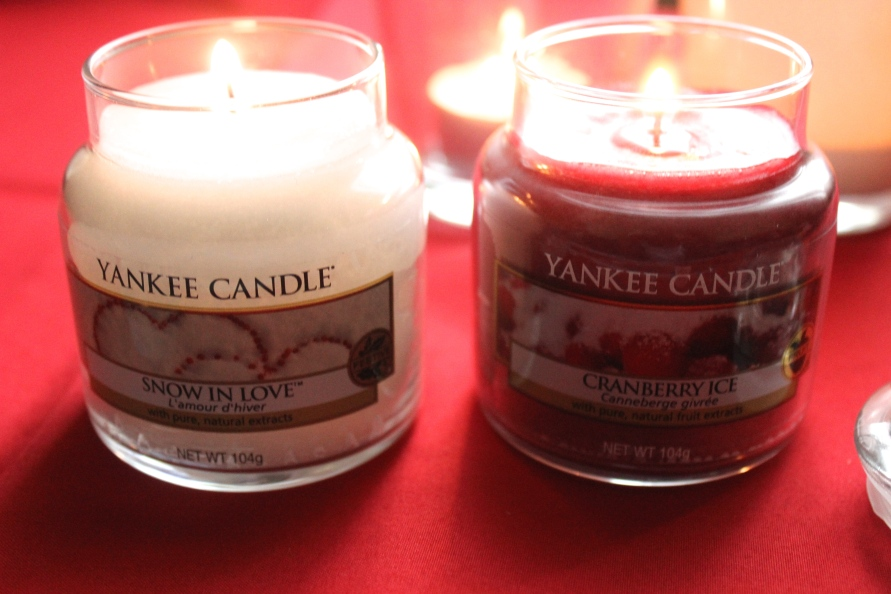 Yankee Candle Cranberry Ice & Snow in Love | Review Beautybitsblog.com