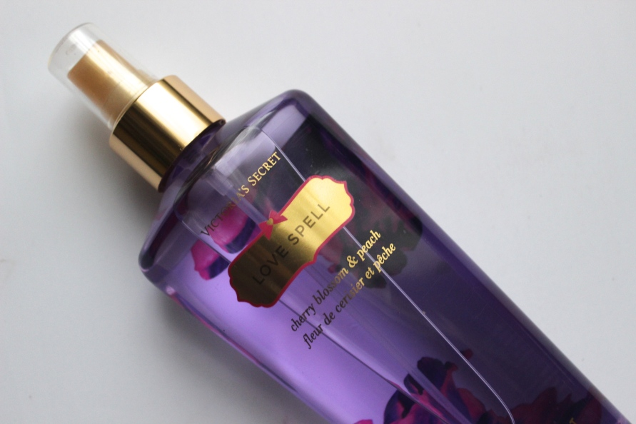 Victoria's Secret Love Spell Body Mist | Review Beautybitsblog.com