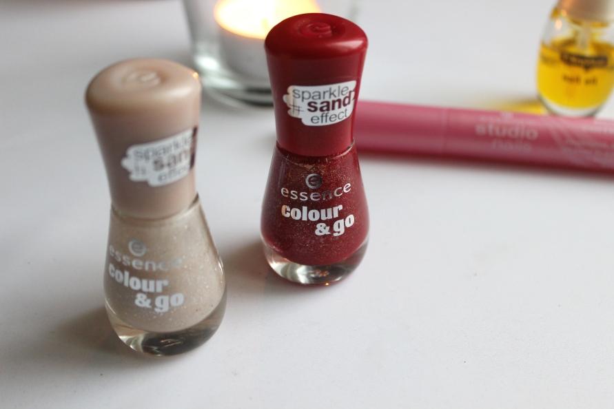 Essence Sparkle Sand Nagellak | Review BeautyBitsBlog.com