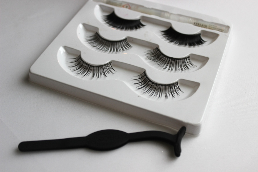 Max and More Nepwimpers & Catrice Lash Applicator | Review BeautyBitsBlog.com