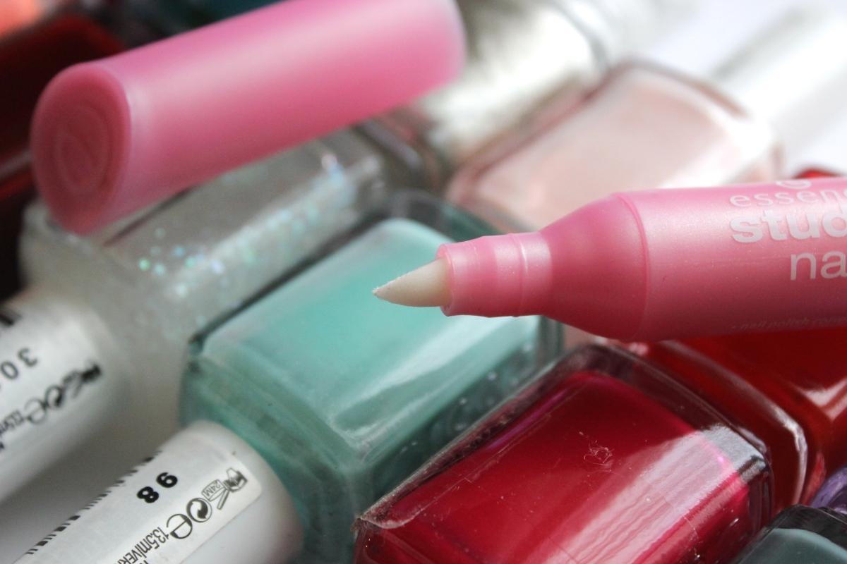 Essence Nail Polish Corrector Pen   Review