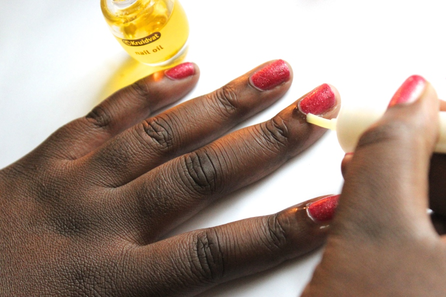 Kruidvat Nail Care Moisturising Oil | Review BeautyBitsBlog.com