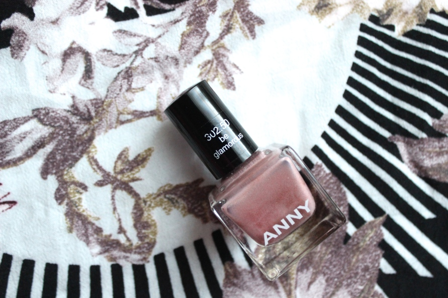 Anny nagellak - Be Glamorous | Review BeautyBitsBlog.com