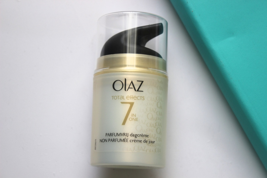 Olaz Total Effects 7 in One Parfumvrije Dagcrème | Review BeautyBitsBlog.com
