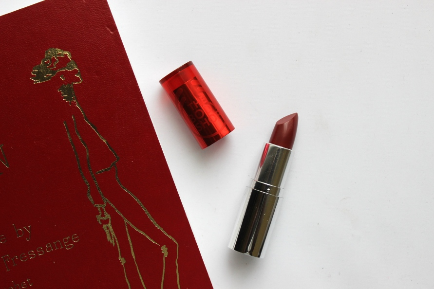 The Body Shop Colour Crush Red Lipstick - Crazy Sexy Crimson | Review BeautyBitsBlog.com