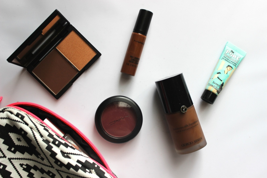 What's in my Trave Make Up Bag?   BeautyBitsBlog.com