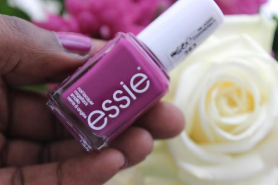 Essie nagellak - Flowerista | Review BeautyBitsBlog.com