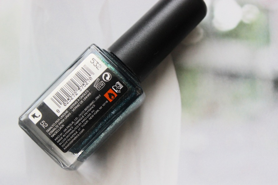 Kiko nagellak - 532 Pearly Amazon Green | Review BeautyBitsBlog.com
