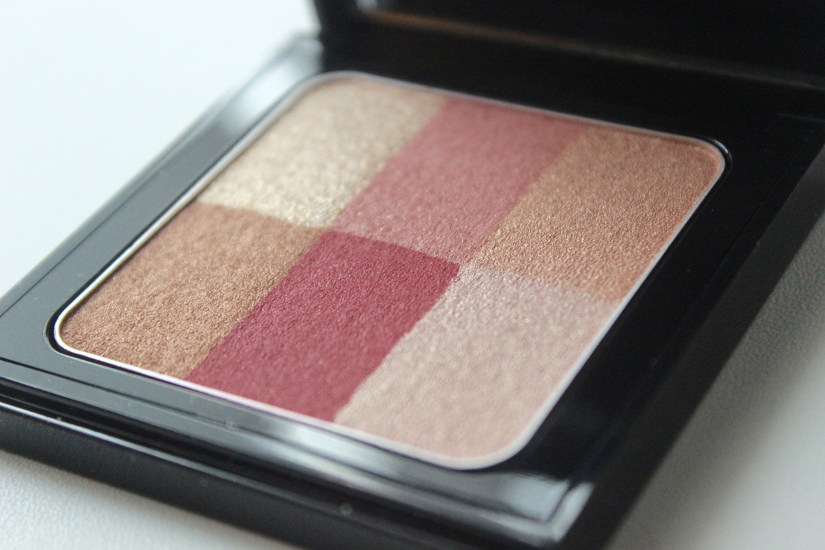 Bobbi Brown Brightening Brick - Cranberry | Review