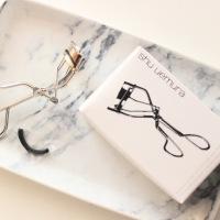 Shu Uemura wimperkruller | Is het de hype waard?